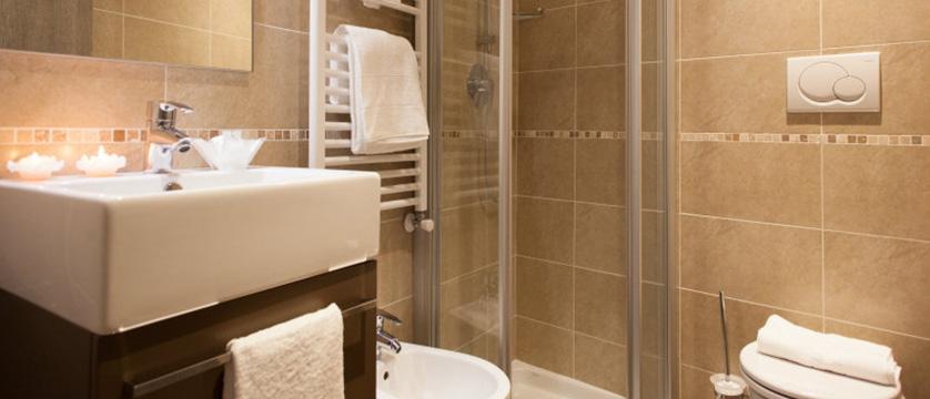 Hotel Portici, Riva, Lake Garda, Italy - bathroom.jpg